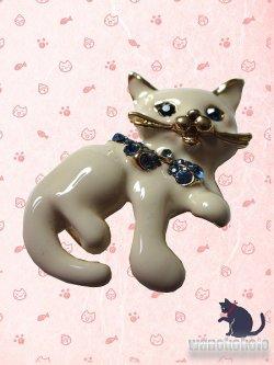画像2: あったらかわいい帯留め 日本製 白猫柄 ODM-28